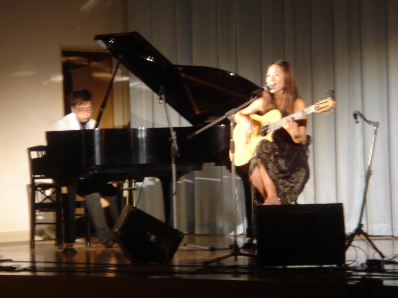 前夜祭小泉ニロさんボサノバコンサート